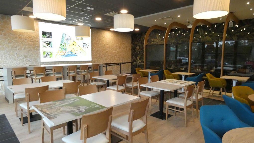 Intérieur du Monument Café zoo de Paris côté Lac Daumesnil © MNHN - Laure Pacchiani