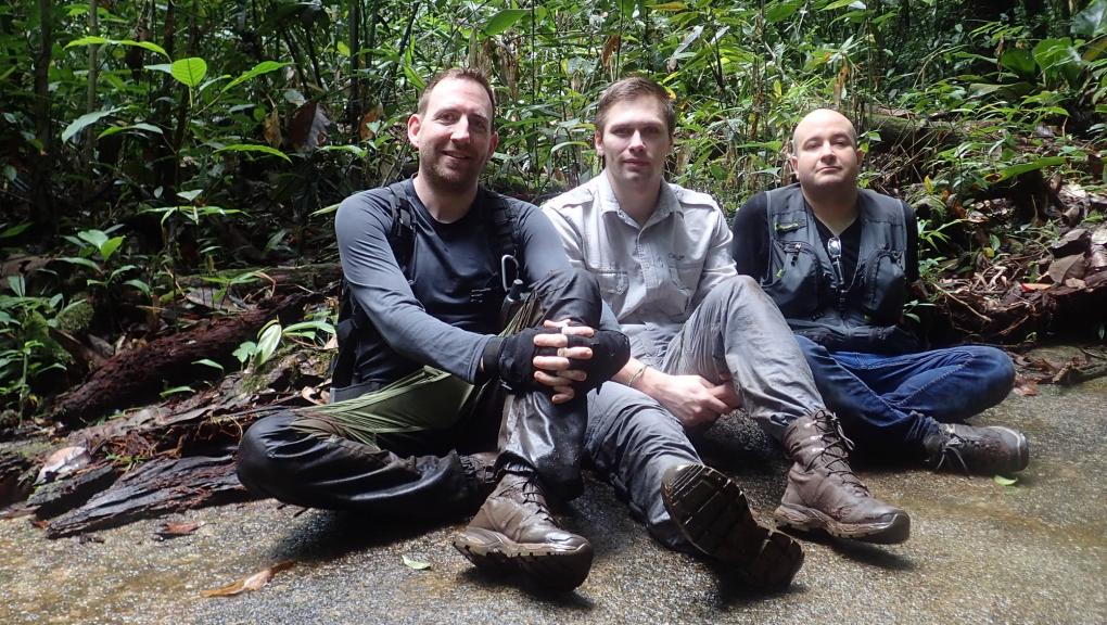 Olivier Marquis, Jérémy Lemaire et David Oudjani dans la Réserve naturelle des Nouragues en Guyane française © MNHN – O. Marquis