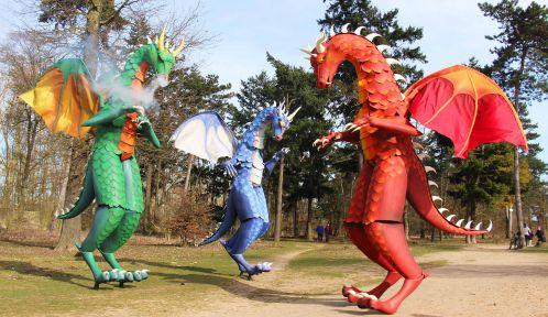 Déambulation des échassiers : les dragons lumineux © Zizanie
